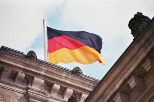 german-flag-on-reichstag[1]